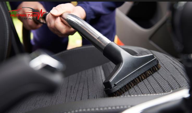 báo giá vệ sinh nội thất xe hơi